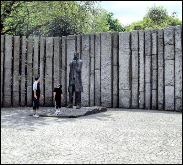 Dublin-Statue of Wolfe Tone1